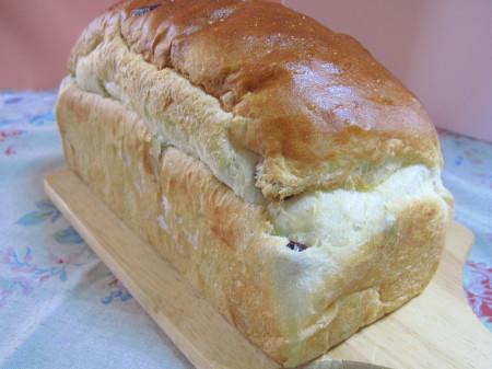 カジハラぶどうパン2_1.jpg
