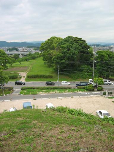 higashimon4.jpg